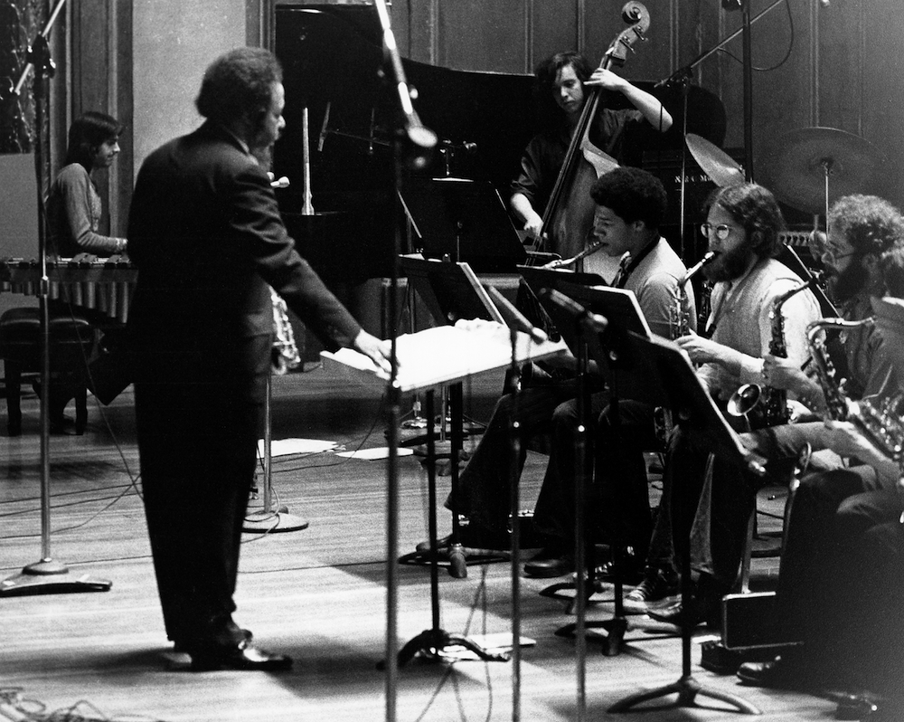 Jaki Byard conducts the Apollo Stompers in 1974; Ed Schuller, bass; Ricky Ford, tenor; photo by Alan Pasqua