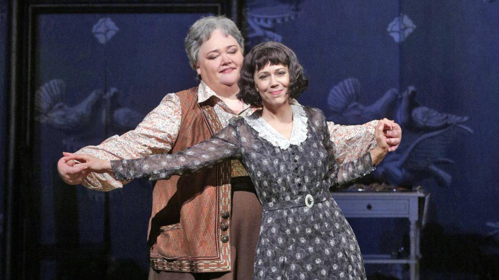 Stephanie Blythe (left) as Gertrude Stein and Elizabeth Futral as Alice B. Toklas in the Opera Theatre of Saint Louis' 2014 production of 27.