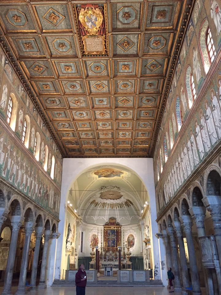 Sant Apollinare Nuovo - interior
