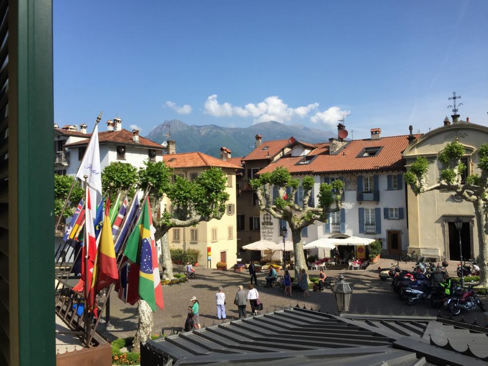 Varennas town square
